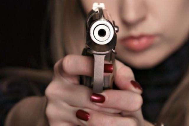 В Кривом Роге во время конфликта девушка выстрелила в прокурора