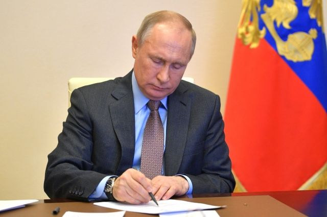 Путину представят анализ антикризисного плана, который готовит кабмин