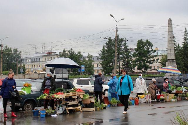 С барнаульской площади Спартака перенесут торговые места