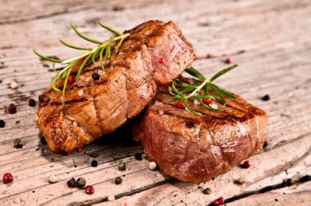 Как приготовить вкусный и сочный стейк: три лучших рецепта мясного блюда
