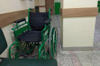 В декабре 2019 г. девочке предложили комнатное кресло-коляску, не соответствующее параметрам девочки, поскольку её рост и вес больше, чем предусматривается для этого оборудования. От предложения семье пришлось отказаться.