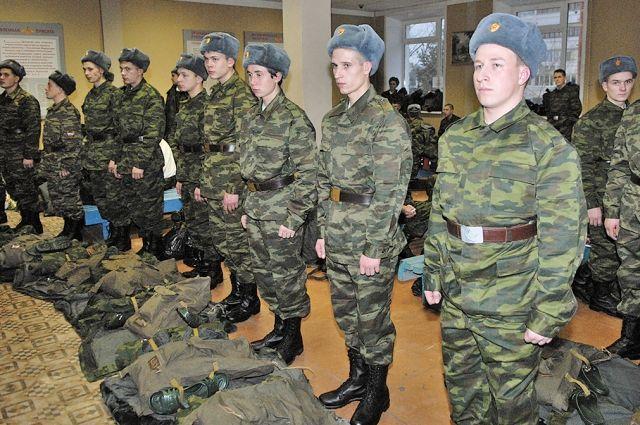 Около трёх тысяч жителей Иркутской области пойдут в армию в весенний призыв.