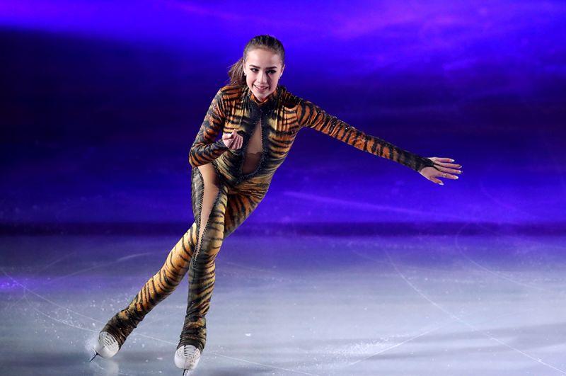 Алина Загитова в показательных выступлениях на чемпионате мира по фигурному катанию в Милане, 2018 год.