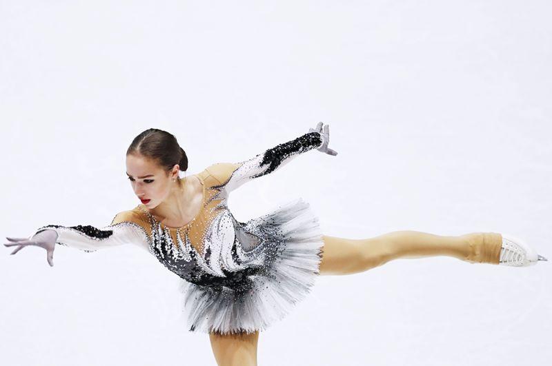 Алина Загитова в короткой программе женского одиночного катания на чемпионате мира по фигурному катанию в Милане, 2018 год.