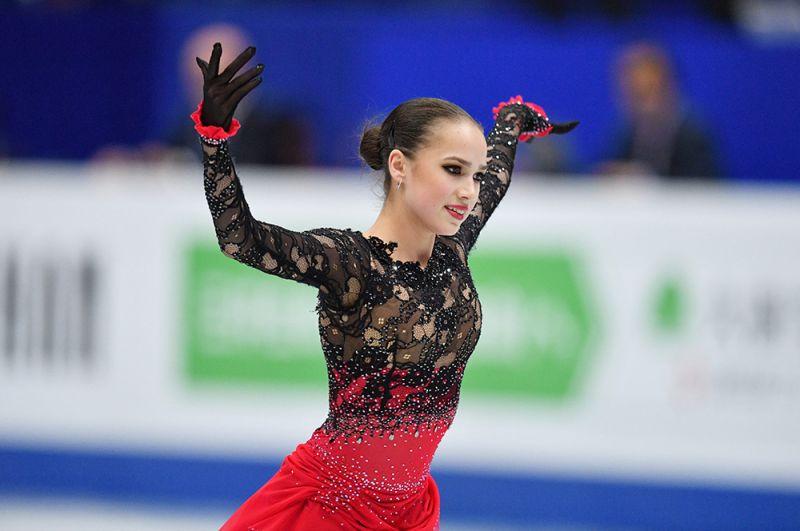 Алина Загитова выступает с произвольной программой в женском одиночном катании на чемпионате мира по фигурному катанию в Сайтаме, 2019 год.
