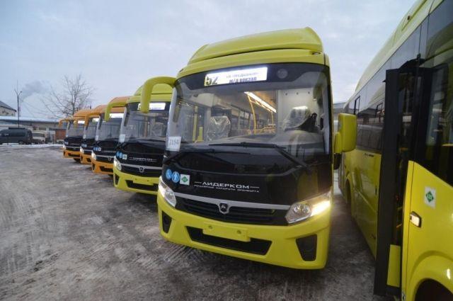 В Оренбурге у новых автобусов ломаются бамперы.