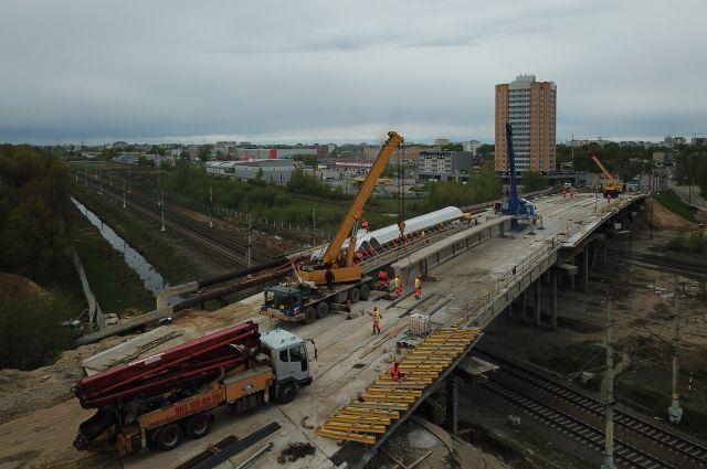 Крупский мост закрыли на ремонт год назад. Ждать открытия осталось недолго.