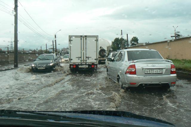 Красноярск накрыло водой.