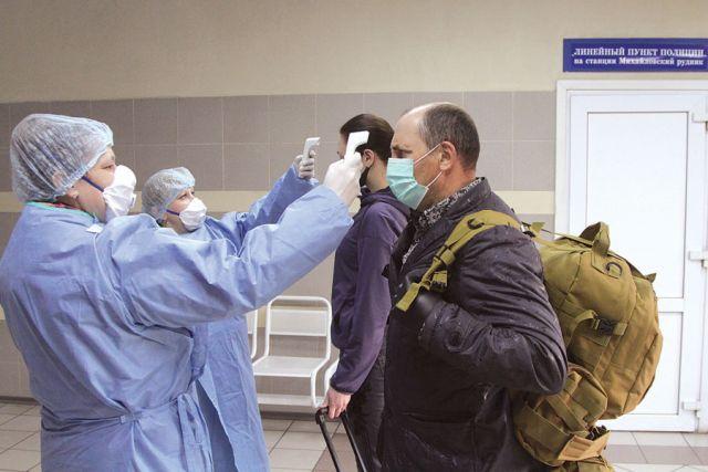 Всех  пассажиров, прибывающих на железногорский вокзал, встречают медсёстры санатория «Горняцкий».