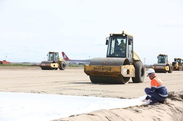 Текущий этап реконструкции аэропортового комплекса «Толмачёво» проводит ОАО «Новосибирскавтодор».