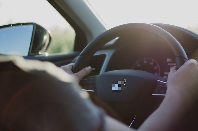 Люди, больные наркоманией не имеют права управлять автомобилем.