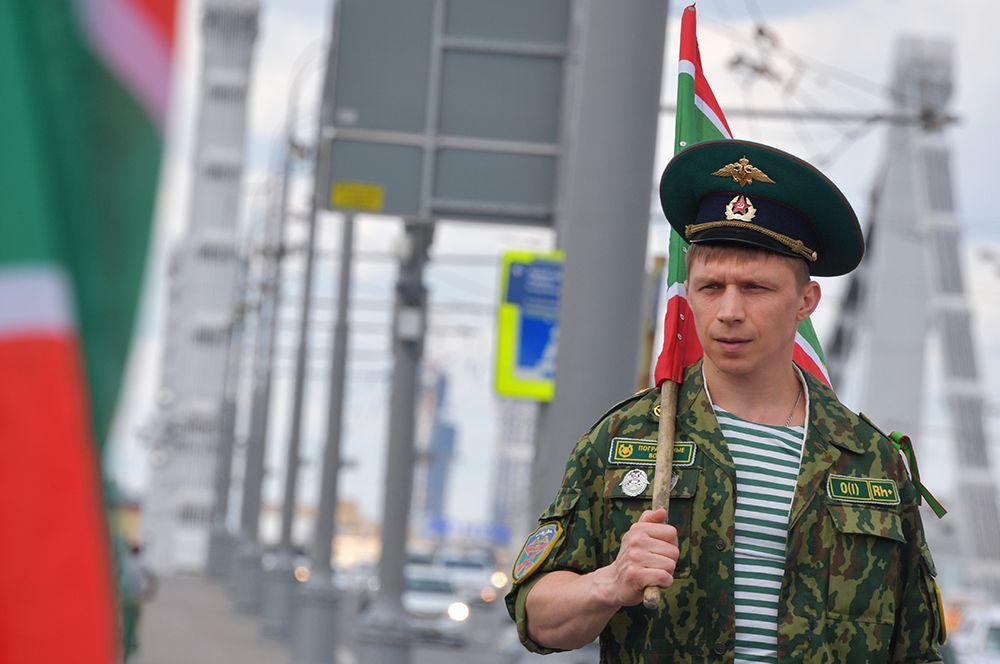 Во время празднования Дня Пограничных войск в Москве.