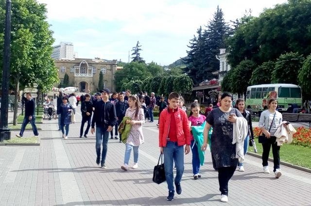 Многолюдным Курортный бульвар Кисловодска станет ещё не скоро