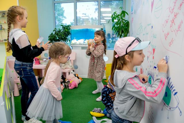 Этим летом лагерям рекомендуют развлекать детей маленькими группами.