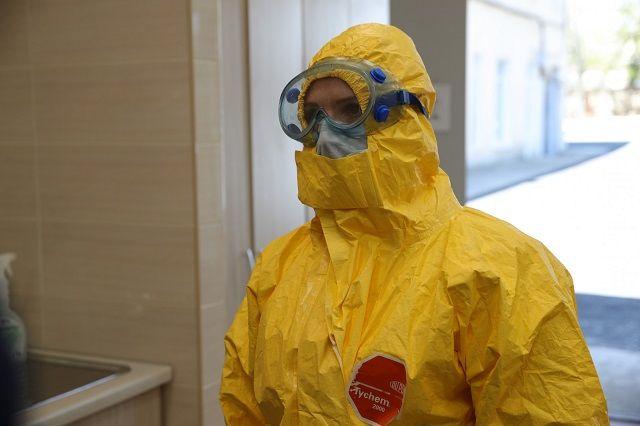 Стаж работающих с коронавирусом медиков будет идти из расчета день за три