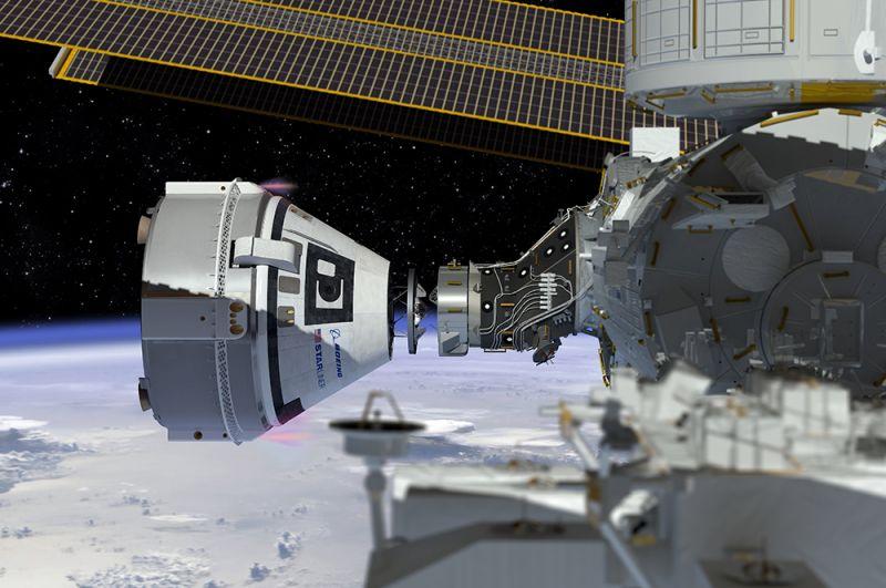 Boeing CST-100 Starliner. Первый запуск корабля к МКС в беспилотном варианте был произведен 20 декабря 2019 года. Произошел сбой и стыковка не произошла, однако корабль успешно приземлился на землю спустя 2 дня после запуска. На фото: концепт корабля Boeing CST-100 Starliner, показывающий момент стыковки с МКС.