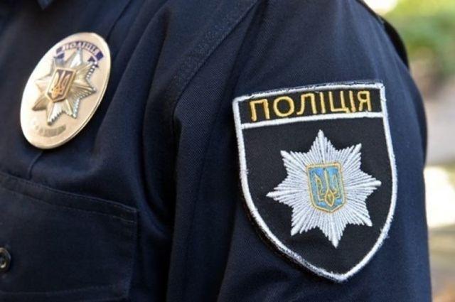 В центре Одессы злоумышленники возле банка ограбили мужчину