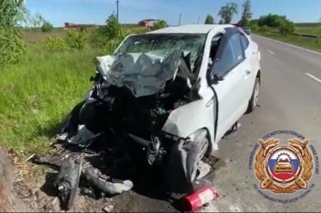 В Гурьевском районе при столкновении машины с деревом погиб водитель