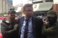 Правоохранители поймали на взятке чиновника Минобразования