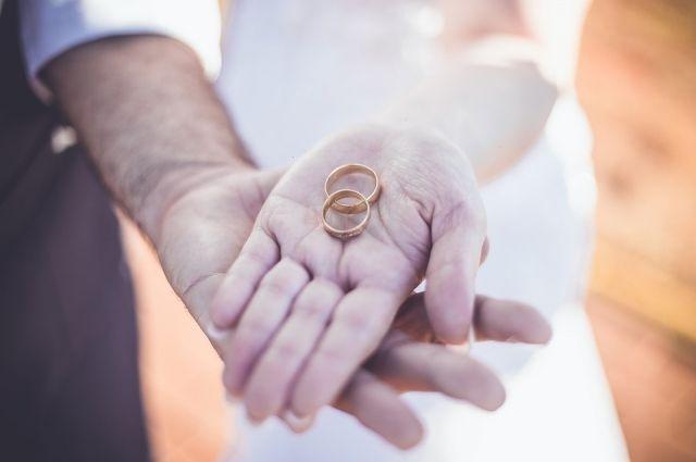В ямальских загсах снова заключают браки в торжественной обстановке