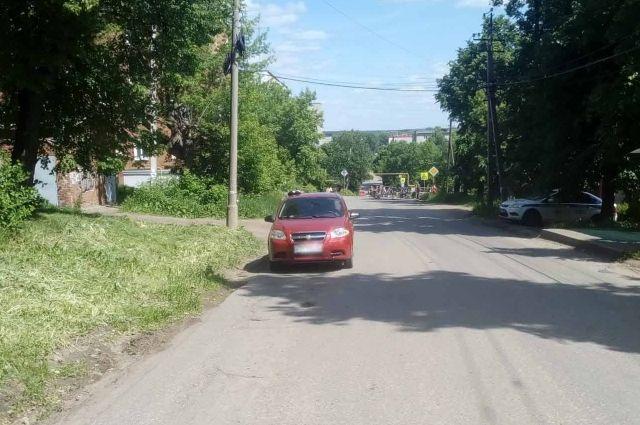 В Сарапуле женщина-водитель сбила ребенка