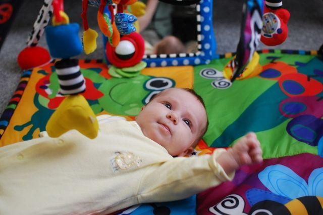 В Тюмени за май на свет появились более 1,1 тыс. малышей