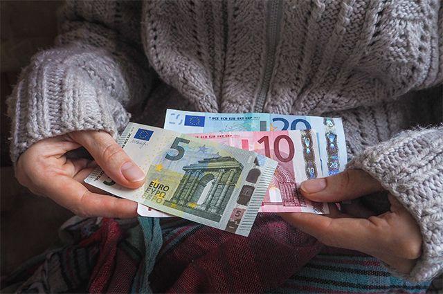 Сколько платят матерям одиночкам в 2021 на 1 ребенка