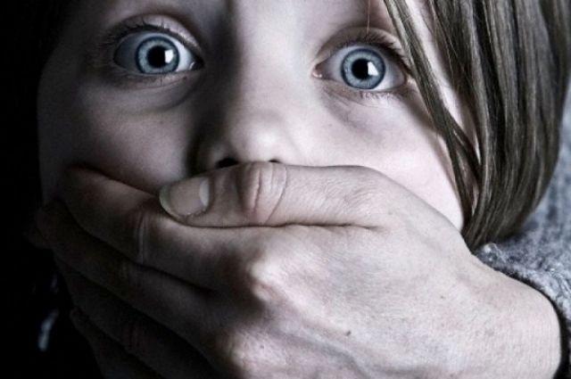 Снял происходящее на видео: в Ровно подросток изнасиловал 12-летнюю девочку