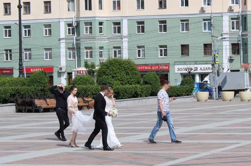 Коронавирус свадьбам не помеха.