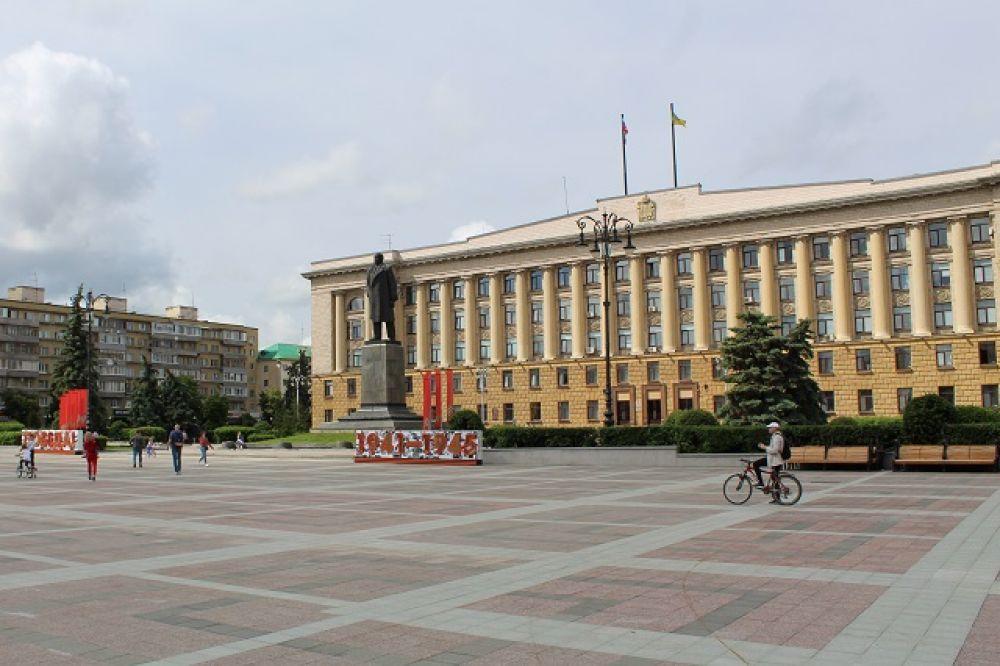 Центральная площадь города.