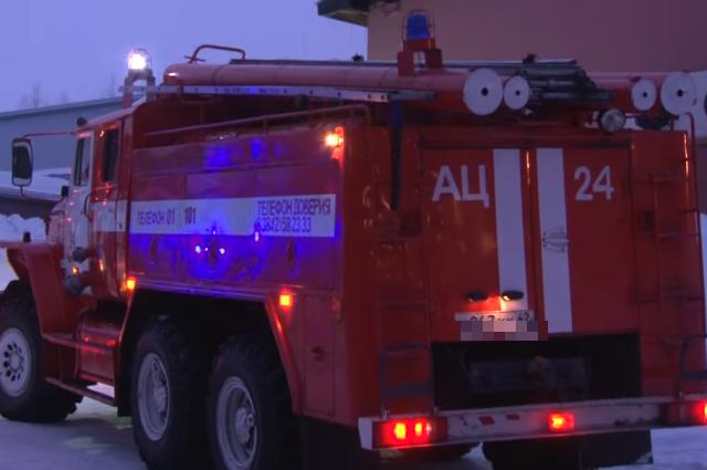 На место пожара были отправлены 9 единиц спецтехники.