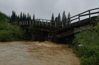 Затоплены дома, автодороги, водой разрушены некоторые железнодорожные объекты.