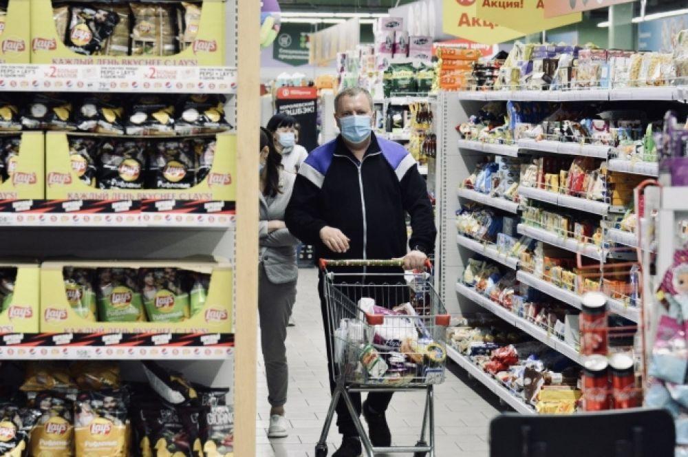 Они объясняют это тем, что заболеть не хочется, да и на все средства защиты цены приемлемые