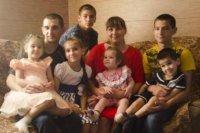 Многодетная семья - гордость Оренбургской области.