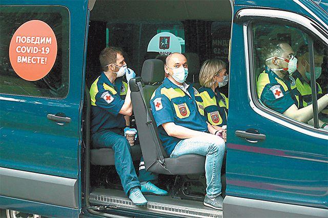 Отправка бригады московских врачей и грузовых фур с медоборудованием, лекарствами и средствами защиты в Псков и Владимир.