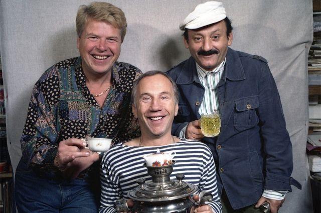Михаил Кокшенов, Савелий Крамаров и Семён Фарада на съёмках фильма «Русский бизнес», 1992 г.