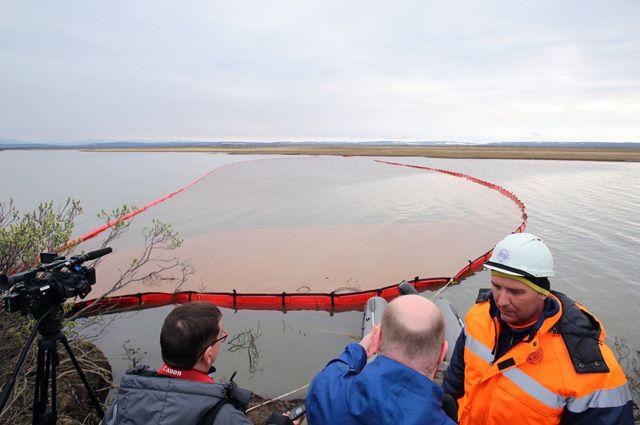 29 мая на промышленной площадке ТЭЦ-3 Норильско-Таймырской энергетической компании разгерметизировался один из резервных резервуаров и наружу вылилась 21 тыс. т топлива.