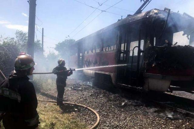 В Кривом Роге во время движения загорелся один из вагонов трамвая