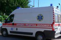 В Киеве на территории вуза на двух студентов упало дерево