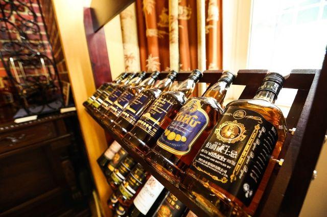 Депутаты предлагают запретить продажу алкоголя в залах обслуживания меньше 50 кв. м.