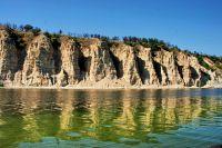 Такая красота на берегах Волги образовалась 60 млн лет назад (природный парк «Щербаковский»).