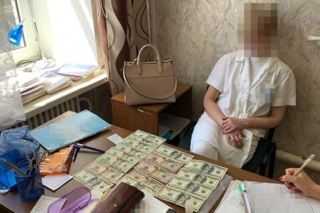 В Харькове задержали на взятке психиатра за оформление инвалидности