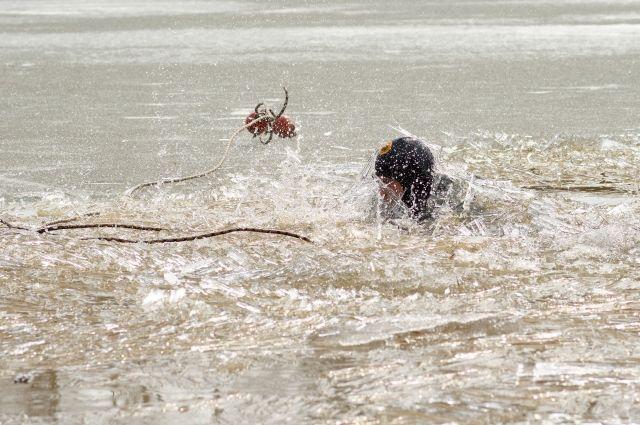 Один из погибших ребят спас девушку, а сам утонул.