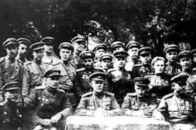 Командование и штаб 350-й стрелковой дивизии. Август 1944 г. Сандомирский.