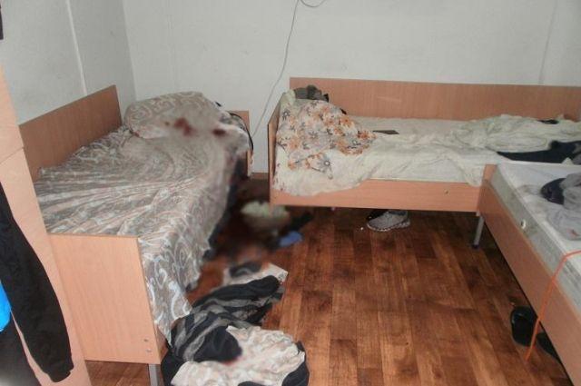 Желал отомстить: в киевском хостеле мужчина ударил ножом спящего соседа
