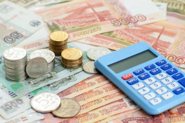 Больше всего долгов у юридических лиц — 899 млн рублей.