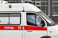 В автомобилях находятся пациенты, которые ждут обследования.