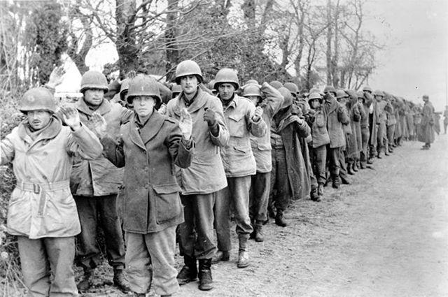 Пленные американские солдаты; 22 декабря 1944 г., Арденнская операция.