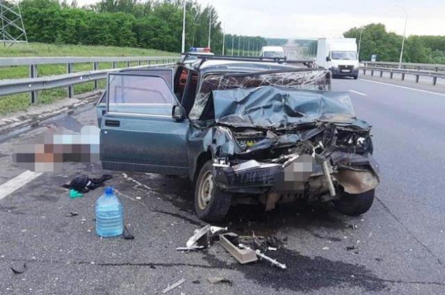 На трассе под Уфой в аварии с грузовиком погиб пассажир «семерки»