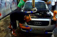 Тюменцам напомнили правила ремонта автомобиля в гараже